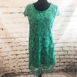 Solitaire Green Lace Short Sleeve Dress